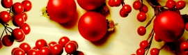 christmas-red-balls-and-ornaments-web-header