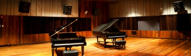 piano-music-studio-playing-room-header