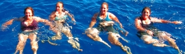 women-swimming-in-the-ocean-header